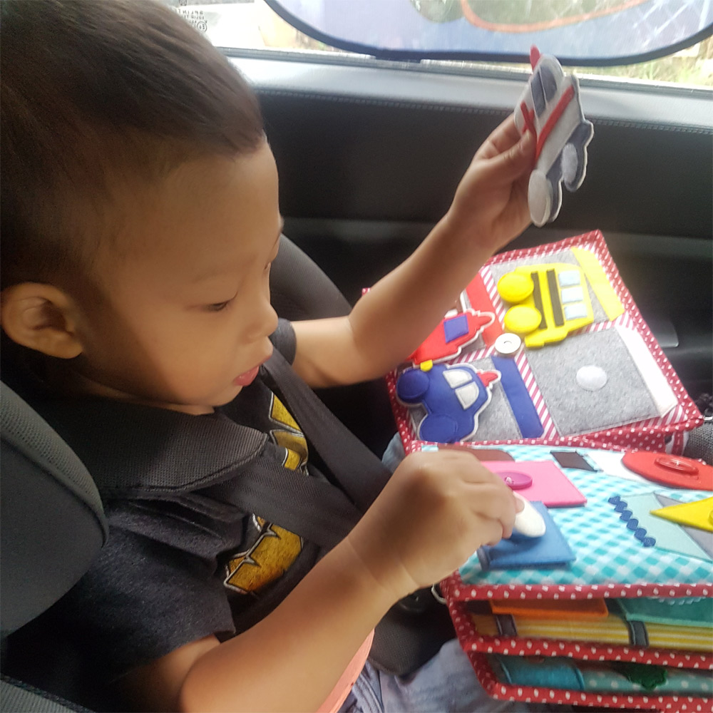 Quiet book - play in car